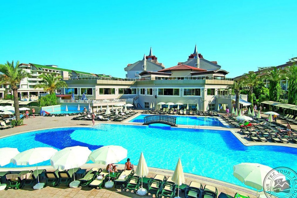Почивка в AYDINBEY FAMOUS RESORT 5 *