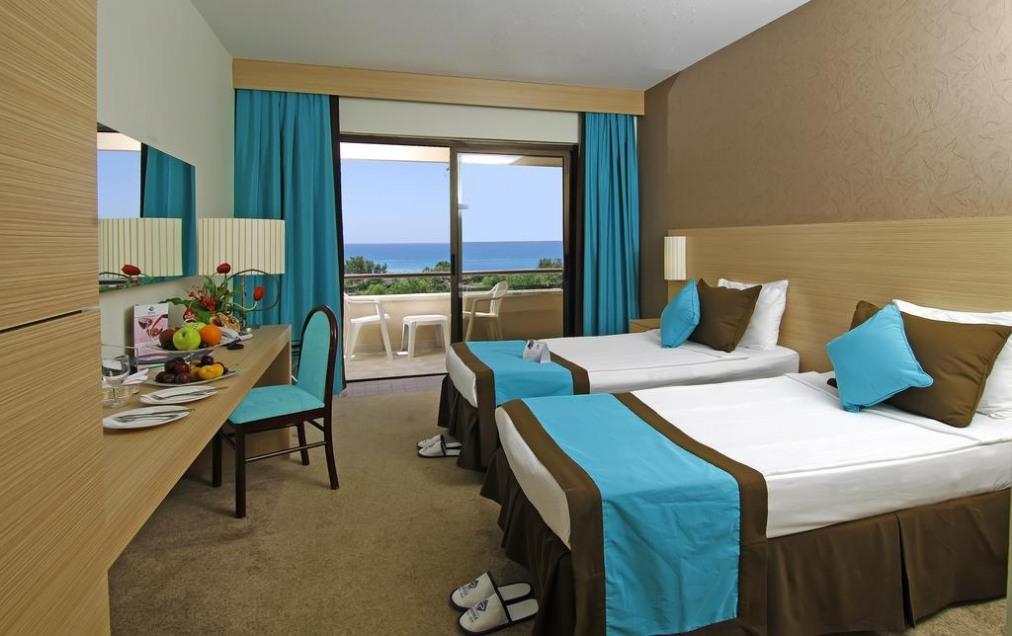 Почивка в GRAND PRESTIGE HOTEL 5 *