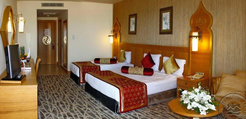 Почивка в ROYAL DRAGON HOTEL 5 *