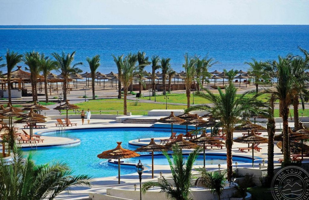 Почивка в AMWAJ BLUE BEACH RESORT & SPA 5 *