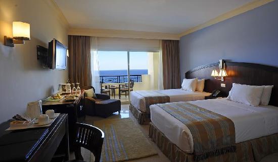 Почивка в STELLA DI MARE BEACH HOTEL & SPA 5 *