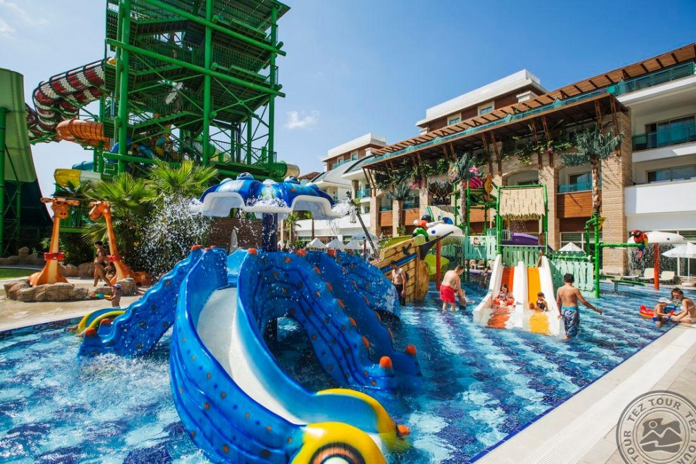 Почивка в CRYSTAL WATERWORLD RESORT & SPA 5 *