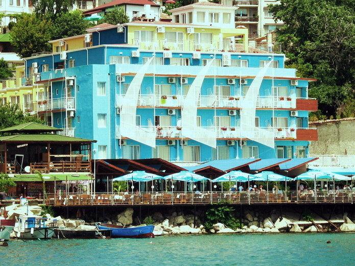 Почивка в LOTOS HOTEL BALCHIK 3*