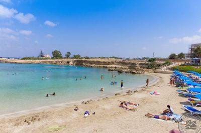 CAVO MARIS BEACH 3 *