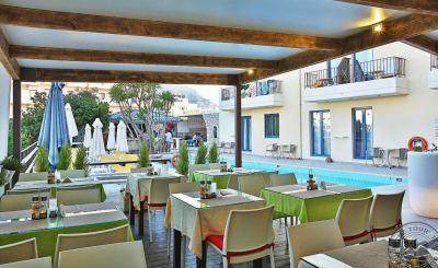 MANOS MARIA HOTEL & APARTMENTS 4 *