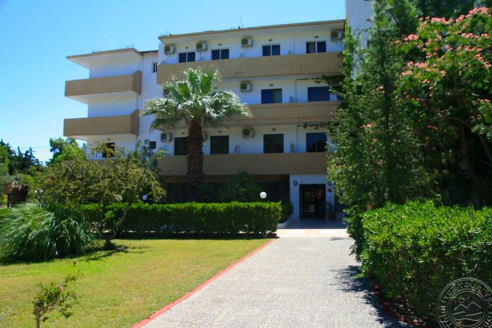 Почивка в ACHOUSA HOTEL 3*