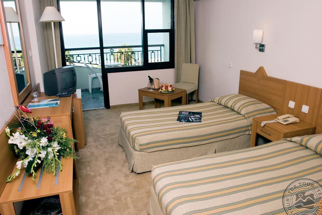 Почивка в ELYSEE HOTEL 4 *