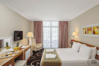 ALVA DONNA WORLD PALACE 5 *