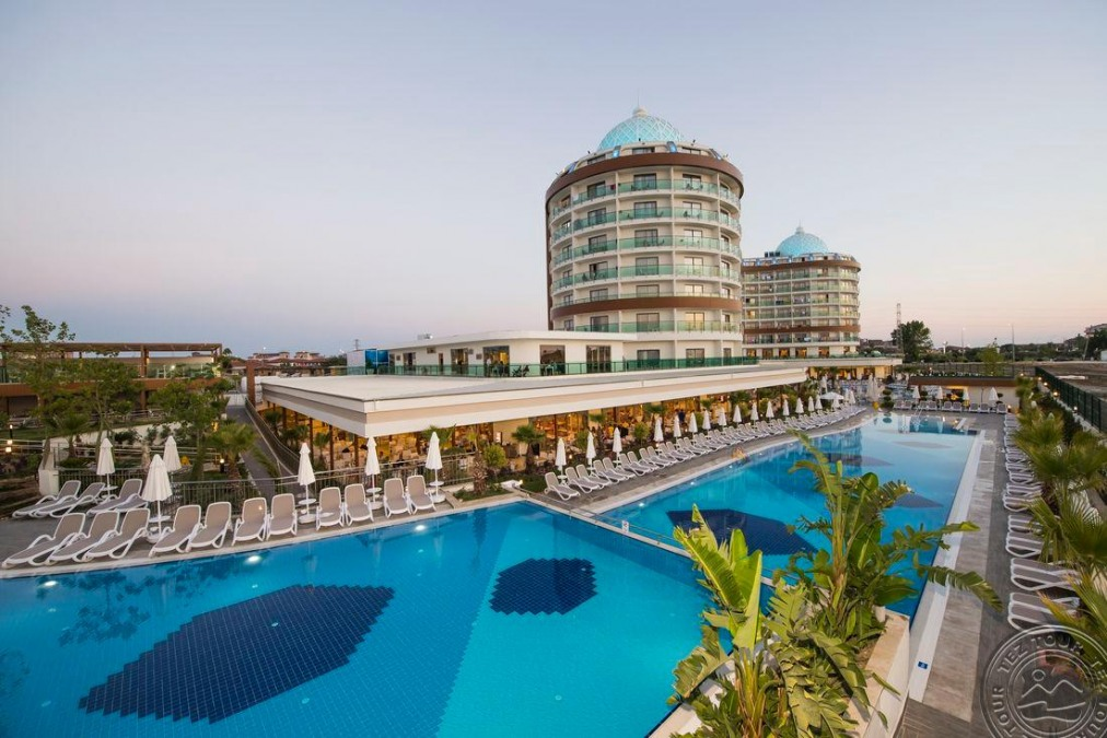 Почивка в DREAM WORLD AQUA RESORT&SPA 5 *