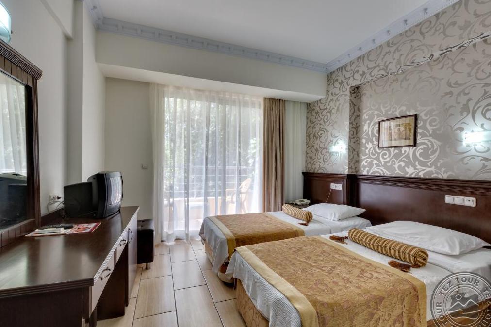 Почивка в GRAND LUKULLUS HOTEL 4 *