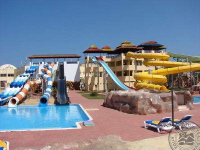 TIA HEIGHTS MAKADI 5 *