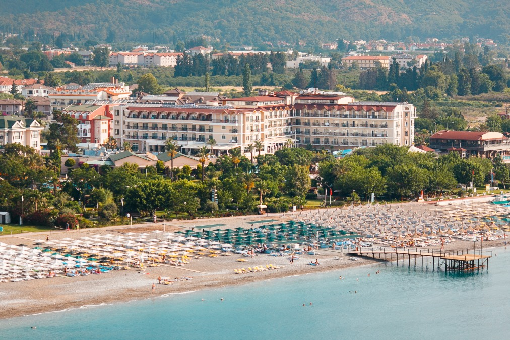 Почивка в L`OCEANICA BEACH RESORT HOTEL 5 *