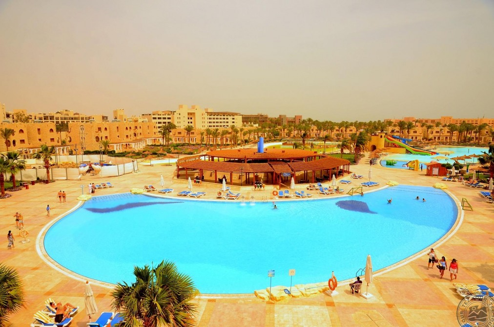 Почивка в ROYAL LAGOONS AQUA PARK RESORT HURGHADA 5 *