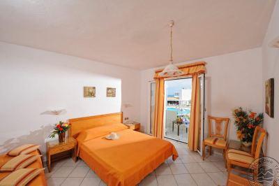 ARIADNE BEACH HOTEL MALIA 3+*