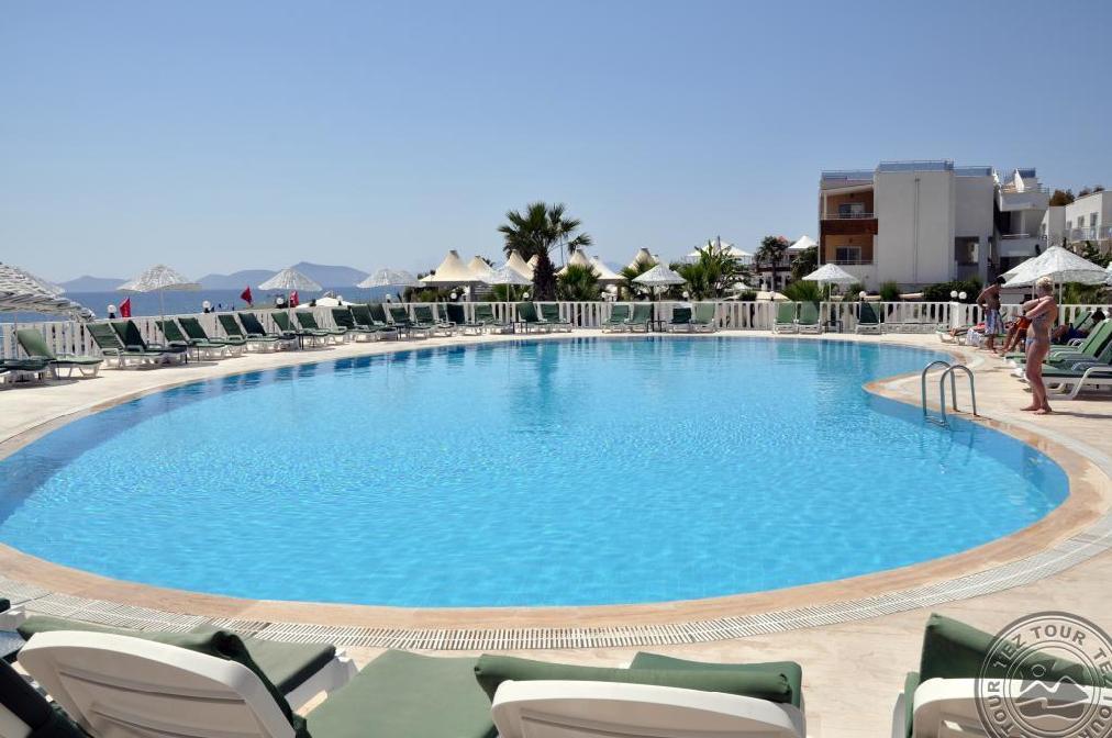 Почивка в ISIS CHARM BEACH HOTEL 4 *