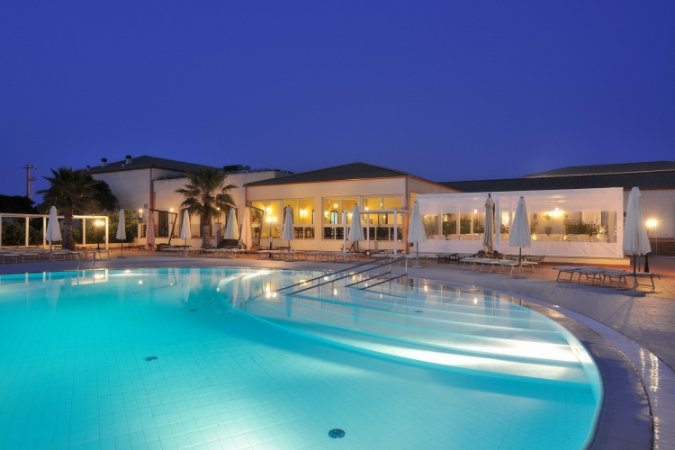 Lindbergh Sikania Resort SPA