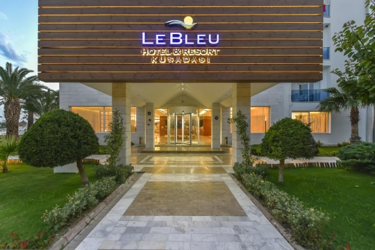 LE BLEU HOTEL & RESORT 5*