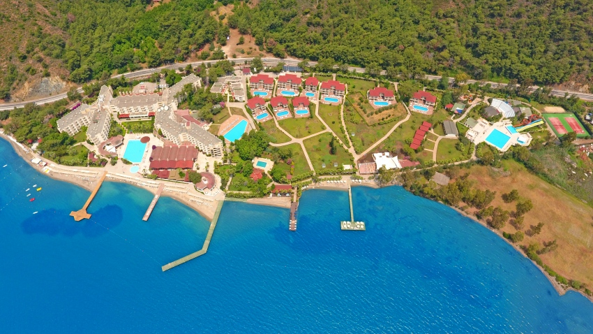 FORTEZZA BEACH RESORT 5*
