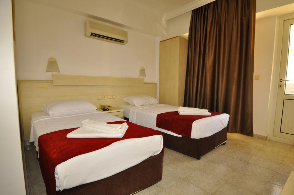 GOLDEN STAR HOTEL 2*