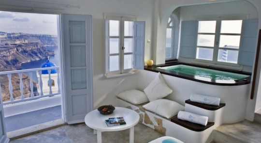 ALTANA TRADITIONAL HOUSES & SUITES 4*