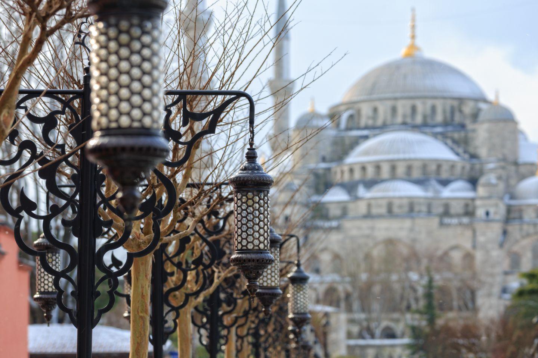 Почивка Нова година в Истанбул с дневен преход от Варна