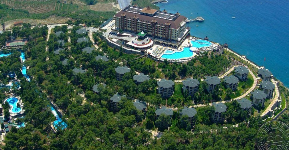 Почивка в UTOPIA WORLD HOTEL 5 *