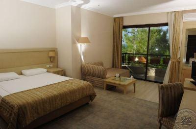 UTOPIA WORLD HOTEL 5 *