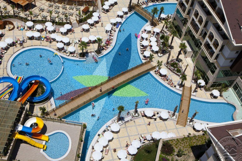 Почивка в CRYSTAL PALACE LUXURY RESORT & SPA 5 *