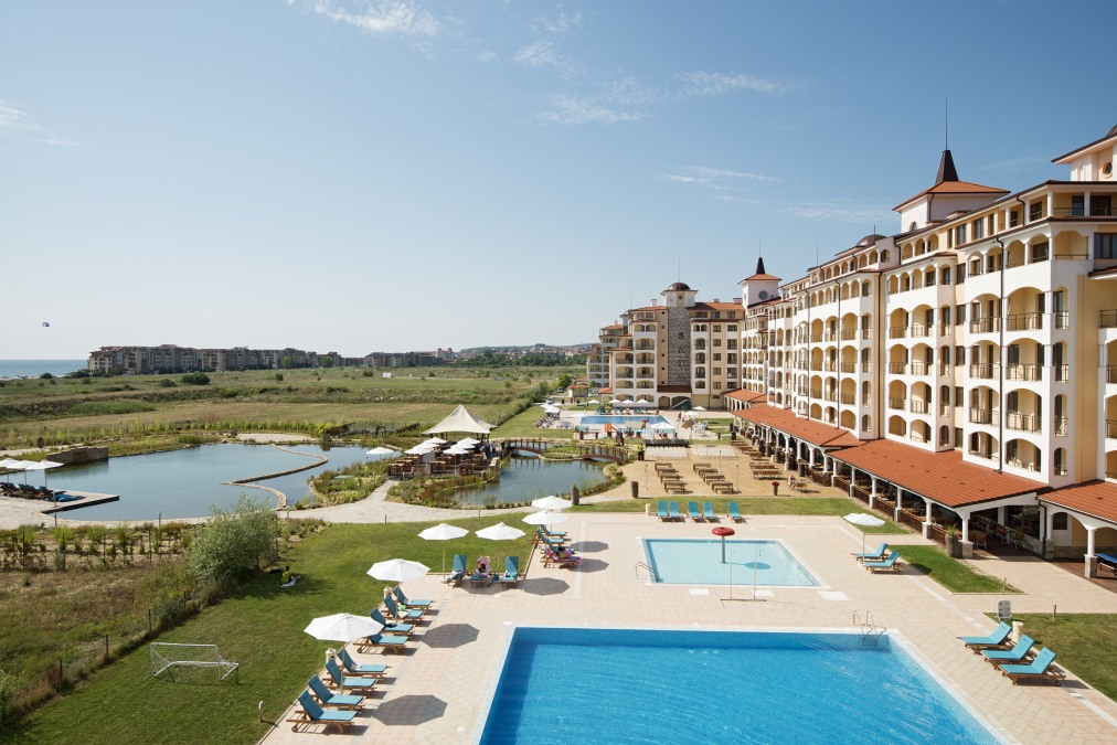 Почивка в SUNRISE ALL SUITES RESORT APARTHOTEL 4*
