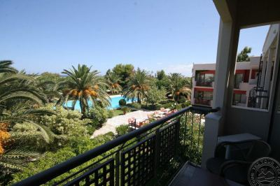 MAY BEACH HOTEL 3*+