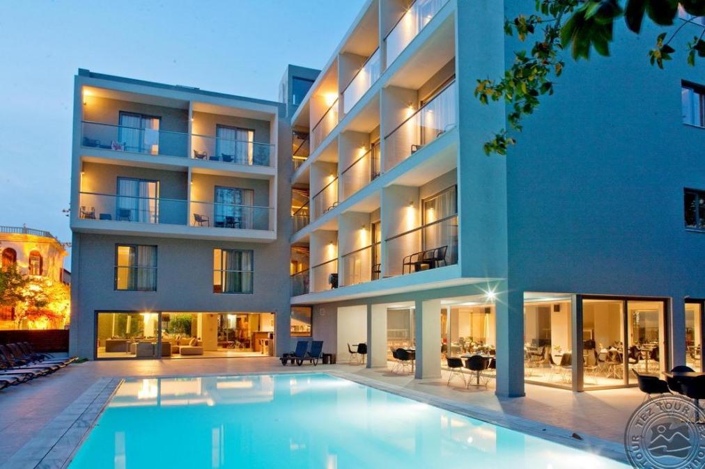 OKTOBER HOTEL 3 *