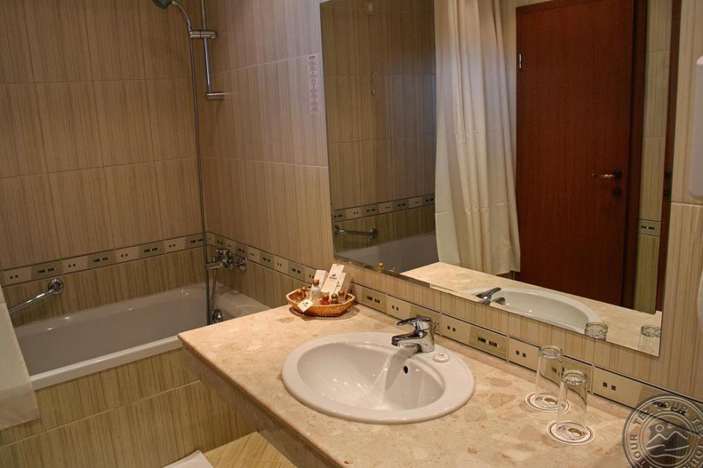 Почивка в LOTOS HOTEL RIVIERA 4 *