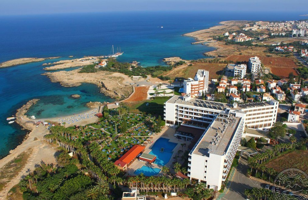 CAVO MARIS BEACH 3 *