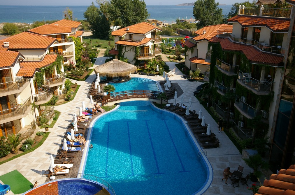 Почивка в LAGUNA BEACH RESORT & SPA 4*