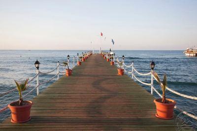 ALVA DONNA BEACH RESORT COMFORT 5 *