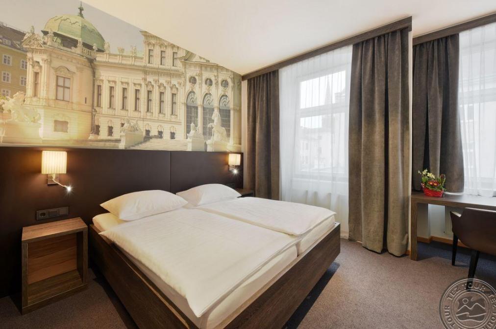 Почивка в LUCIA HOTEL 3 *