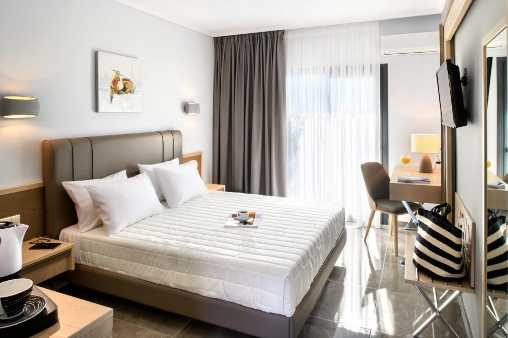 Почивка в PHILOXENIA BUNGALOWS HOTEL 3*