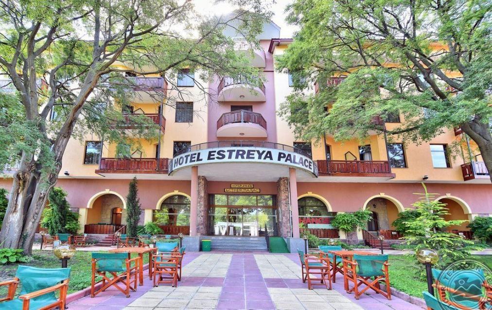 Почивка в ESTREYA PALACE 4*
