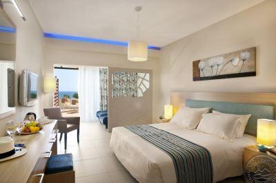 PERNERA BEACH HOTEL 3 *