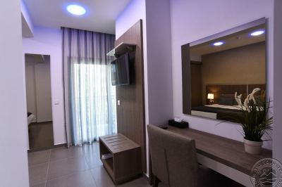 THE RISE HOTEL 3*