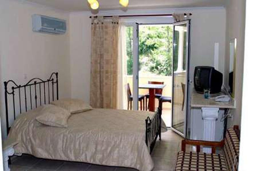 Почивка в CALYPSO HOTEL SIVIRI 2*