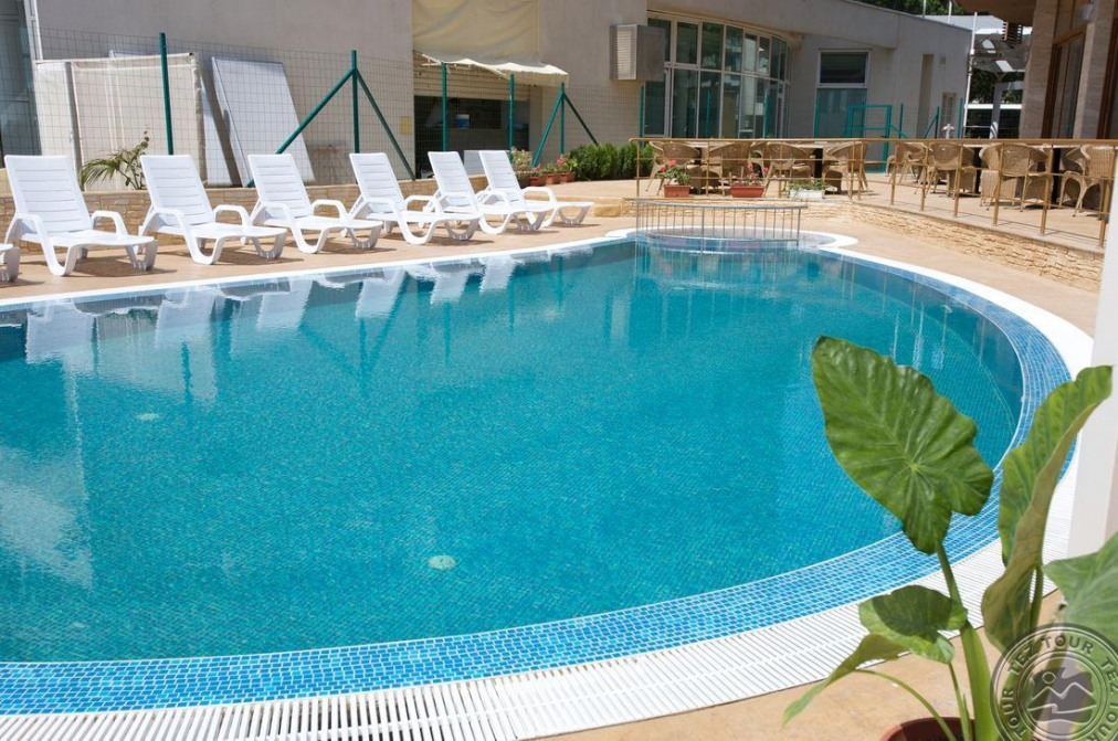 Почивка в SEA BREEZE HOTEL 3*