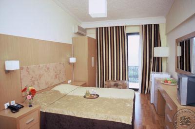 VILLAGE MARE HOTEL 4*