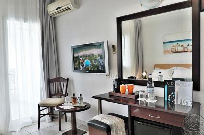 ACROTEL LILY ANN BEACH HOTEL 3 *