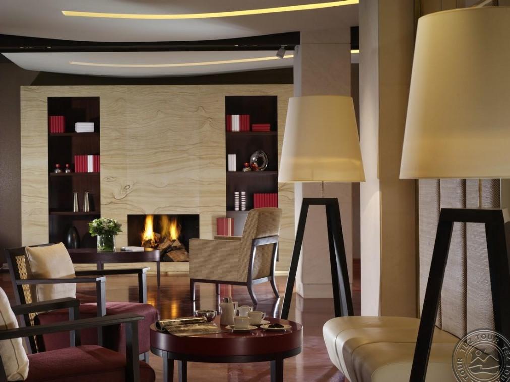 Почивка в AMPHITRYON HOTEL 5*
