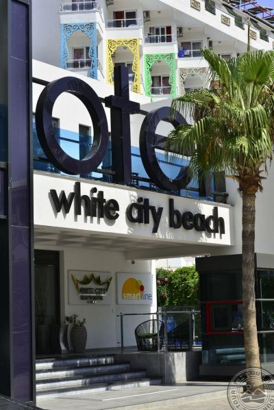 WHITE CITY BEACH 4 *