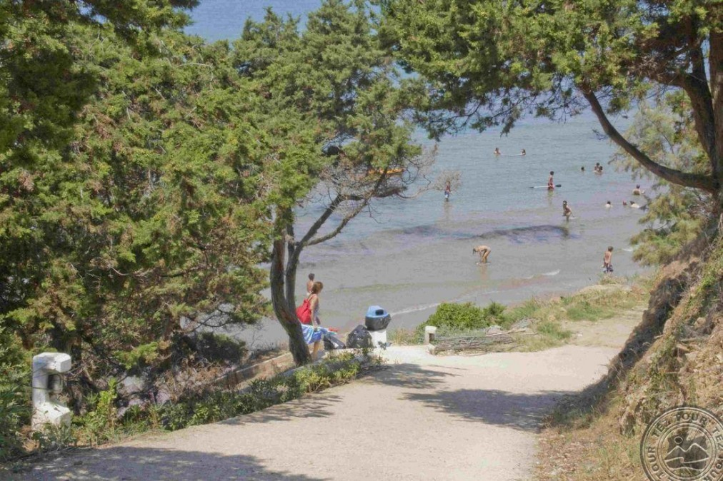 Почивка в FOURNIA BEACH 3 *