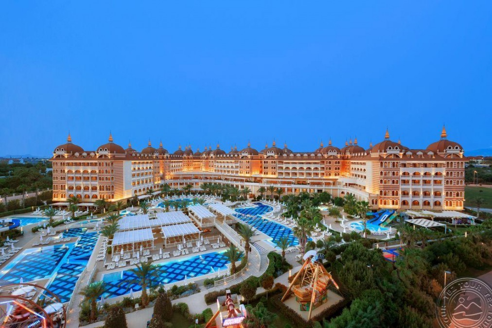 Почивка в ROYAL ALHAMBRA PALACE 5 *