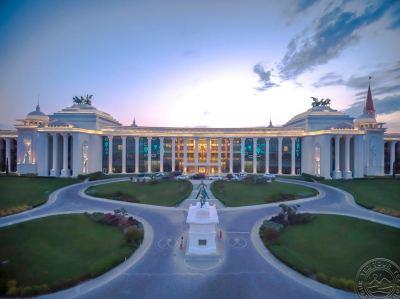 THE LAND OF LEGENDS KINGDOM HOTEL 5 *