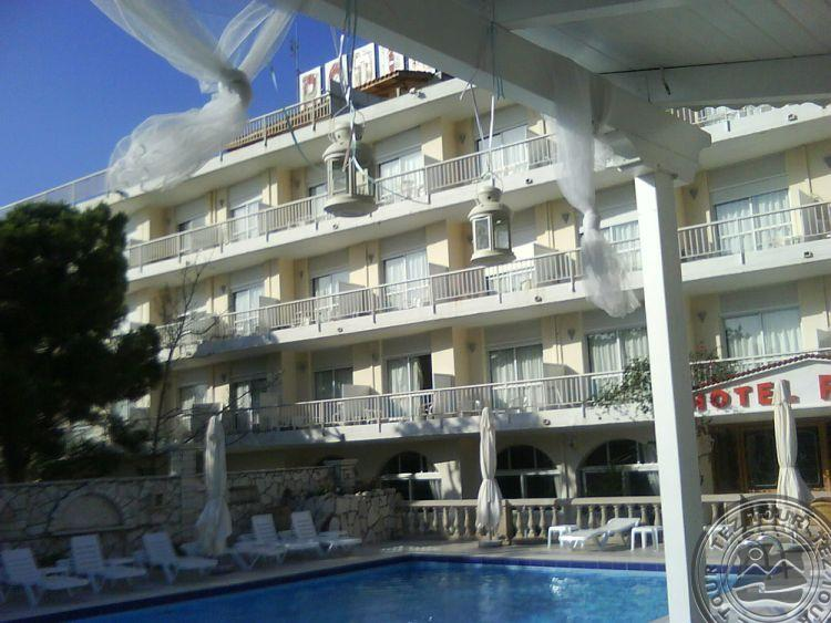 Почивка в RODINI BEACH HOTEL 3 *
